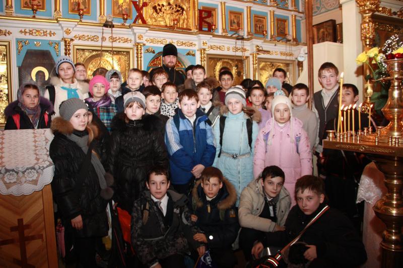 В Георгиевском храме состоялась встреча настоятеля храма с учащимися 6-7 классов