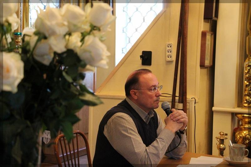 писатель Николаев Виктор в храме