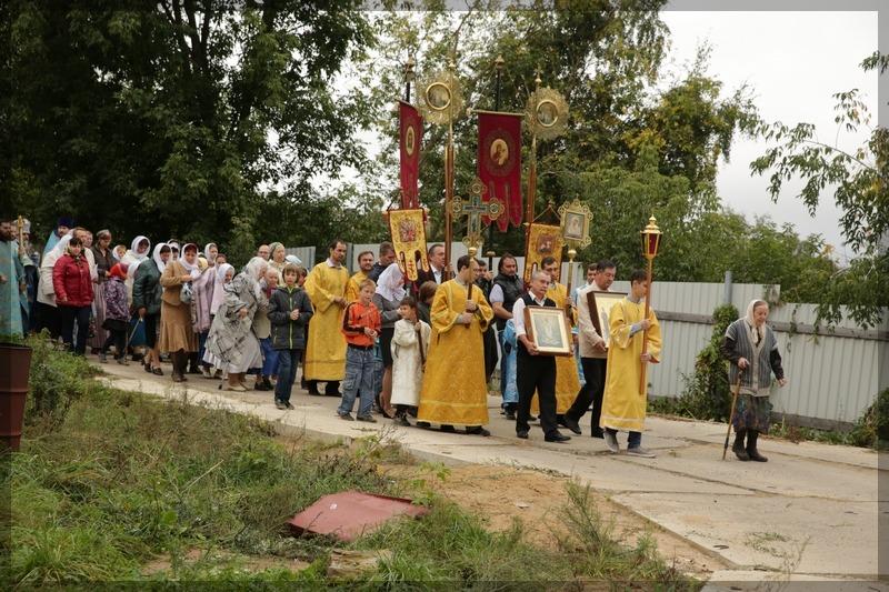 Празднование Черниговской иконы Божьей матери.