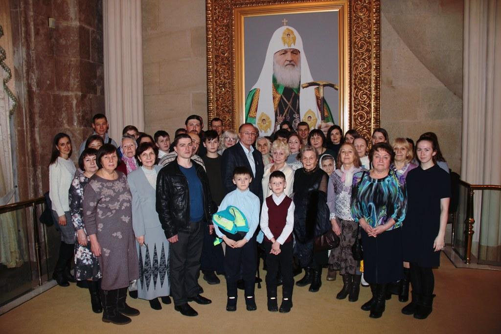 Прихожане Георгиевского храма посетили в Храме Христа Спасителя спектакль по книге Виктора Николаева