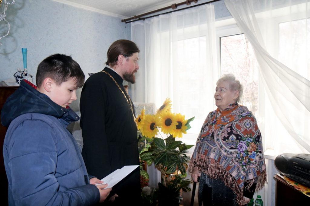 Настоятель и прихожане храма в гостях у блокадников Ленинграда