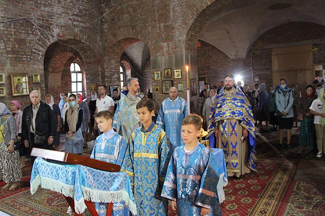 Всенощное бдение в честь праздника Успения Пресвятой Богородицы.