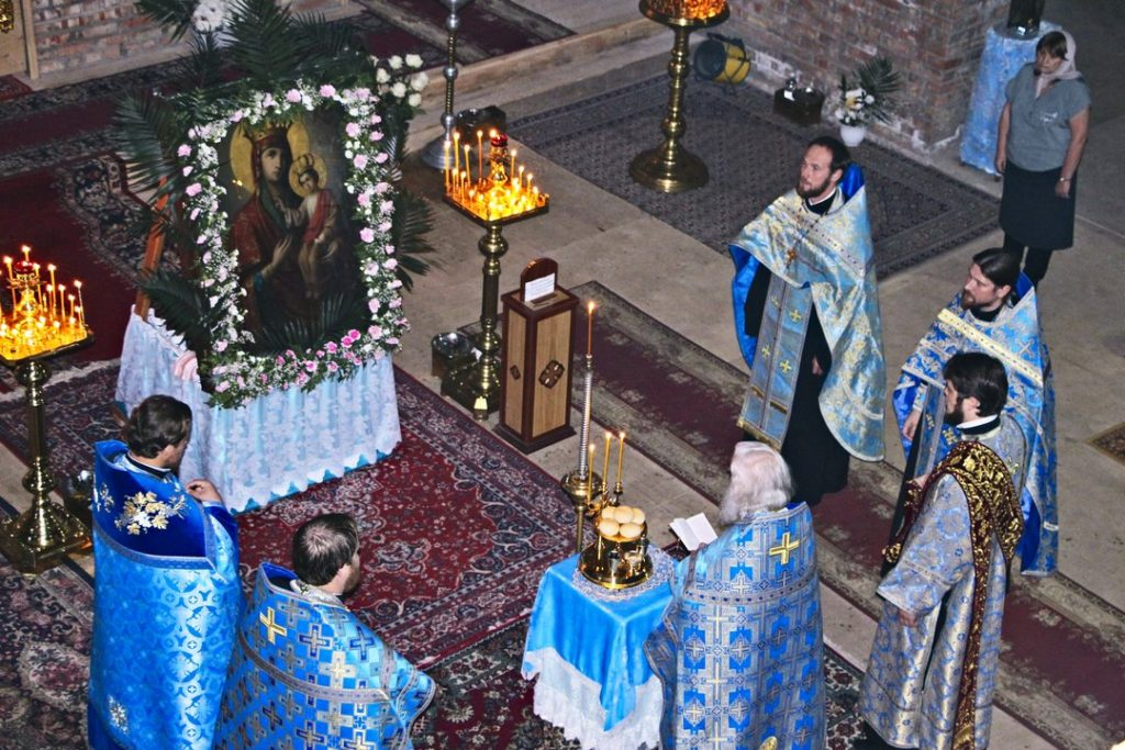 Празднование Черниговской иконы Божией Матери