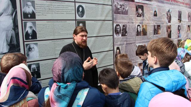 19 апреля в Георгиевском храме г. Ивантеевки состоялась  встреча настоятеля священника Алексия Барашкова с учащимися школы №3 г. Ивантеевки.