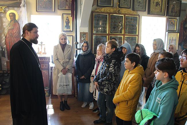6 октября  в нашем храме прошла экскурсия с учащимися второй школы.